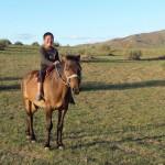 Jeune nomade sur son cheval, sans étrier bien évidemment