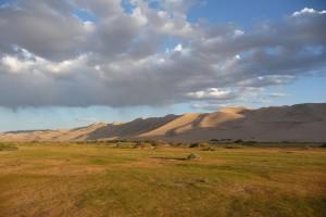 Oasis au pied de la dune de sable Khongor Els
